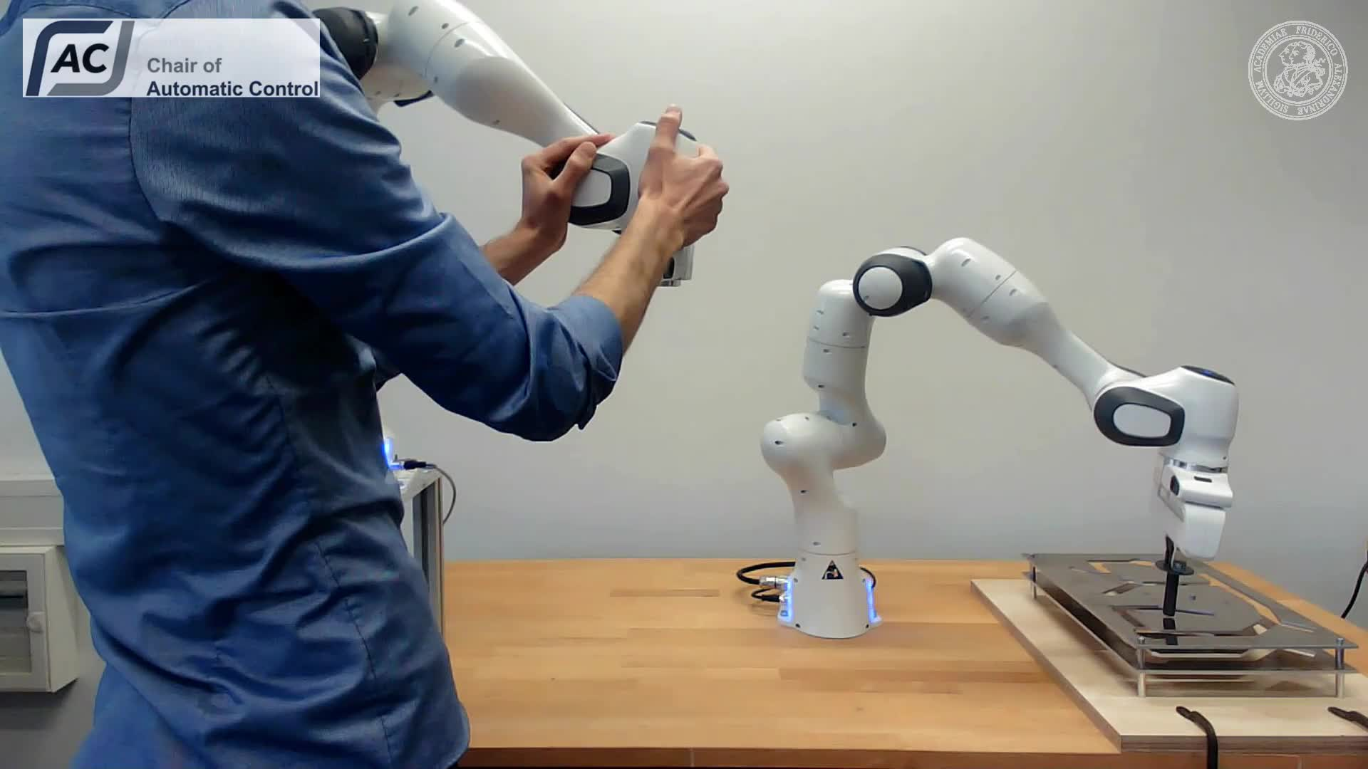 Robot arm teleguiding with force feedback - #1 LRT Robotics Hackathon preview image