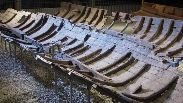 Die Rekonstruktion der Funde von Oberstimm preview image