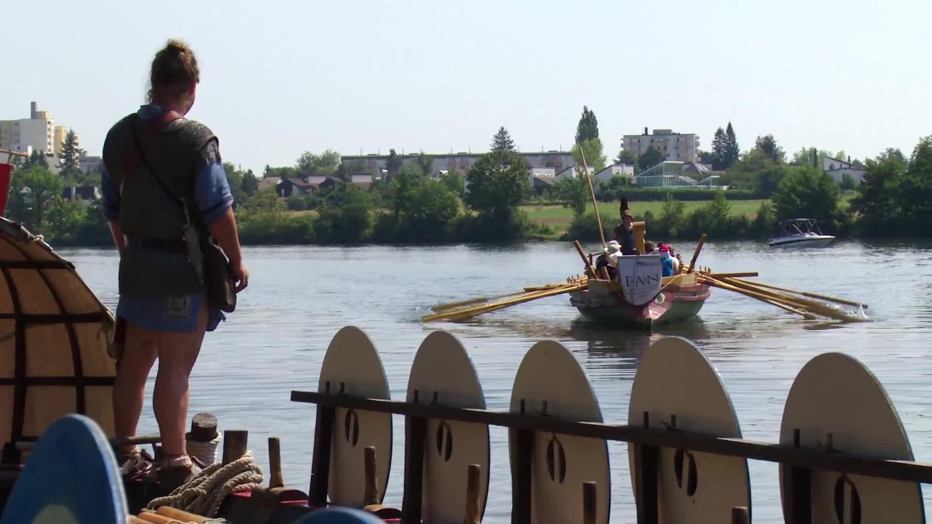 Regatta zweier Römerboote preview image
