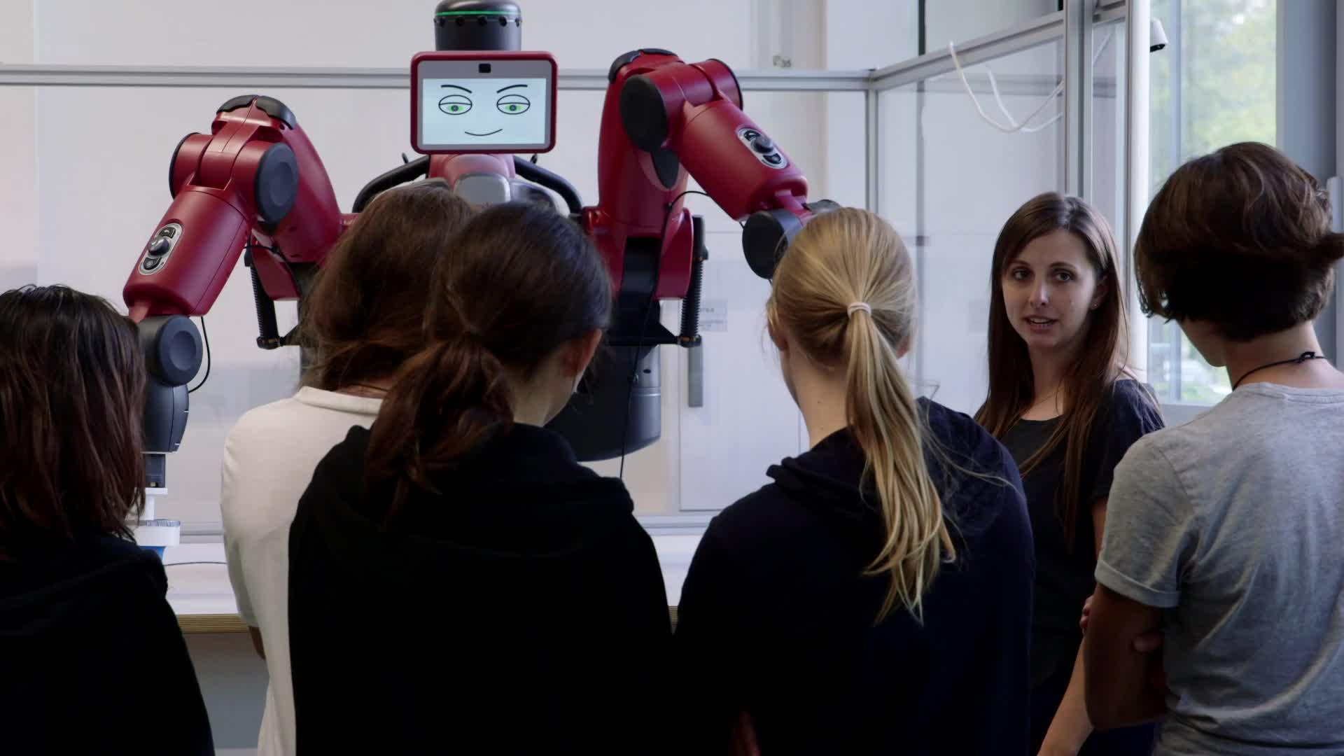 Was machen Roboter in der Fertigung? - das Mädchen-und-Technik Praktikum preview image